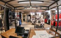 Adidas открыл свой первый футбольный магазин в Париже