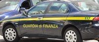 GdF Napoli: sequestrate borse e capi sportivi falsi, 14 denunce