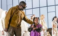 Yeezy: Kanye West fait sa révolution au siège du Parti Communiste