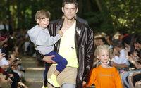 Settimana della Moda uomo di Parigi: Balenciaga e i suoi papà in giro nel weekend