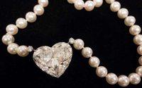 'Flawless' heart-shaped diamond highlights Geneva auction