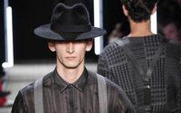 Paris Fashion Week : le séduisant homme Cerruti revient sur les podiums