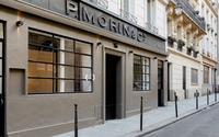 Capsule voit plus petit pour son salon parisien