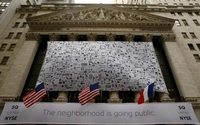 Square sees smaller-than-expected loss on new services, more customers