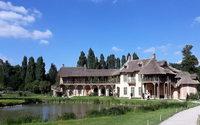 Christian Dior resserre ses liens avec Versailles