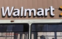 Wal-Mart expands exec roles in online push - memo
