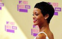 Lingerie 'vale tudo' de Rihanna encerra Semana da Moda de Nova Iorque