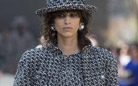 Haute Couture: Chanel huldigt Paris – Paris huldigt Lagerfeld