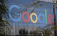 Il proprietario di Google, Alphabet, lancia un'offerta per comprare Fitbit