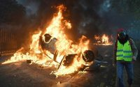 Grim holiday tidings as Paris businesses count cost of riots