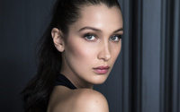 Bella Hadid devient la représentante du maquillage Dior