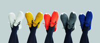 Native Shoes et Issey Miyake, une nouvelle collaboration haute en couleurs