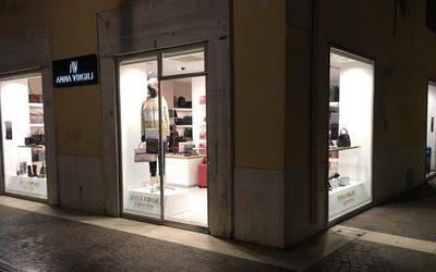 Anna Virgili rinnova lo store di San Benedetto del Tronto - Notizie ...