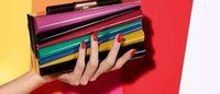 Salvatore Ferragamo携手手袋设计师Sara Battaglia推出限量联名系列