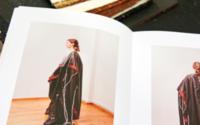 """""""Beyond Seeing"""" bringt blinde und sehbehinderte Menschen mit Modedesignern zusammen"""