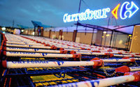Carrefour warns of 2017 profit fall as new CEO faces up to challenges