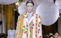 Paris Fashion Week: Thom Browne incanta Parigi con la sua couture fiabesca