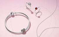 Pandora apresenta plano de poupança para travar declínio da rentabilidade