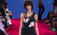 Calvin Klein abbandona la moda d'altissima gamma