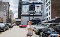 Gucci выпустит футболки с принтами Анджелики Хикс