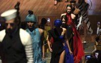 Jean Paul Gaultier à Buenos Aires : défilé dans une Baleine bleue