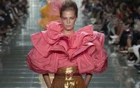 A New York, Marc Jacobs offre des femmes-fleurs