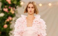 La Haute Couture autorisée à réinvestir les podiums en juillet