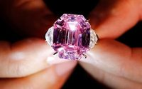 Harry Winston jeweler buys 'Pink Legacy' diamond for record $50 million