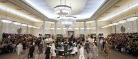 Haute Couture: Chanel al Casino, tra spalle larghe e laser 3D