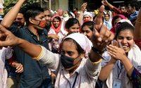 В Бангладеш может остановиться швейная промышленность
