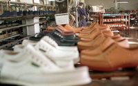 La industria del calzado vulnera los derechos laborales de sus proveedores, según un informe