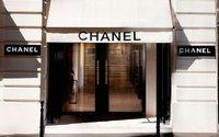 Продажи Chanel падают в мире и растут в России