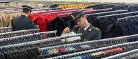 GdF Prato: sequestrati 50.000 capi di abbigliamento falsi