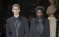Pour son grand début chez Berluti, Kris Van Assche sublime l'art du tailleur