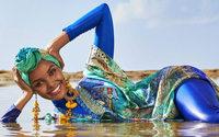 """Halima Aden fa la storia: è la prima modella in burkini sulla cover di """"Sports Illustrated"""""""
