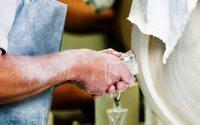 Une vallée normande produit 70% des flacons de luxe dans le monde
