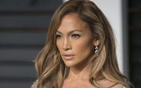 Jennifer Lopez confirms beauty line with Inglot