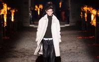 Hermès fait des étincelles dans la nuit parisienne