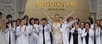 El desfile de los 50 años de Pronovias corona a Karolina Kurkova como su musa