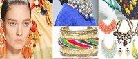 Collane, orecchini e bracciali: l'accessorio per l'estate è oversize