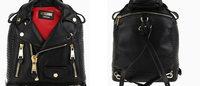 Moschino apresenta bolsas em formato de jaquetas