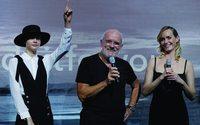 Douglas launcht in Berlin neuen Markenauftritt mit Peter Lindbergh und Cara Delevingne