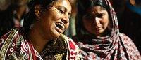 孟加拉国制衣厂大火 190亿美元时尚产值吞噬生命