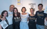 Storytailors espalham felicidade em t-shirts