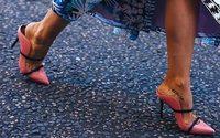 Кроссовки vs каблуки. Женщины выбирают комфорт