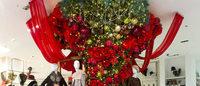 松屋銀座がクリスマスアクセサリーフェア開催 総額3500万円のバカラシャンデリアも登場