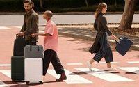 Away pose ses valises en Europe
