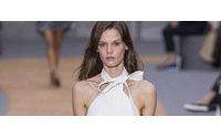 Chloé desfila em Paris uma moda para além de portável