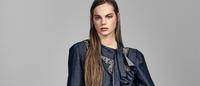 Luxo, street e a festa social vestem-se de denim na Vogue Holanda