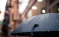 Rain and consumer caution dent UK footfall again